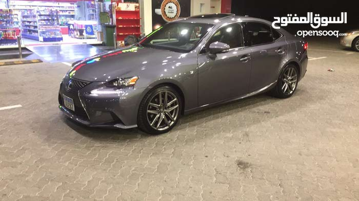 Used condition Lexus IS 2015 with 30,000 - 39,999 km mileage