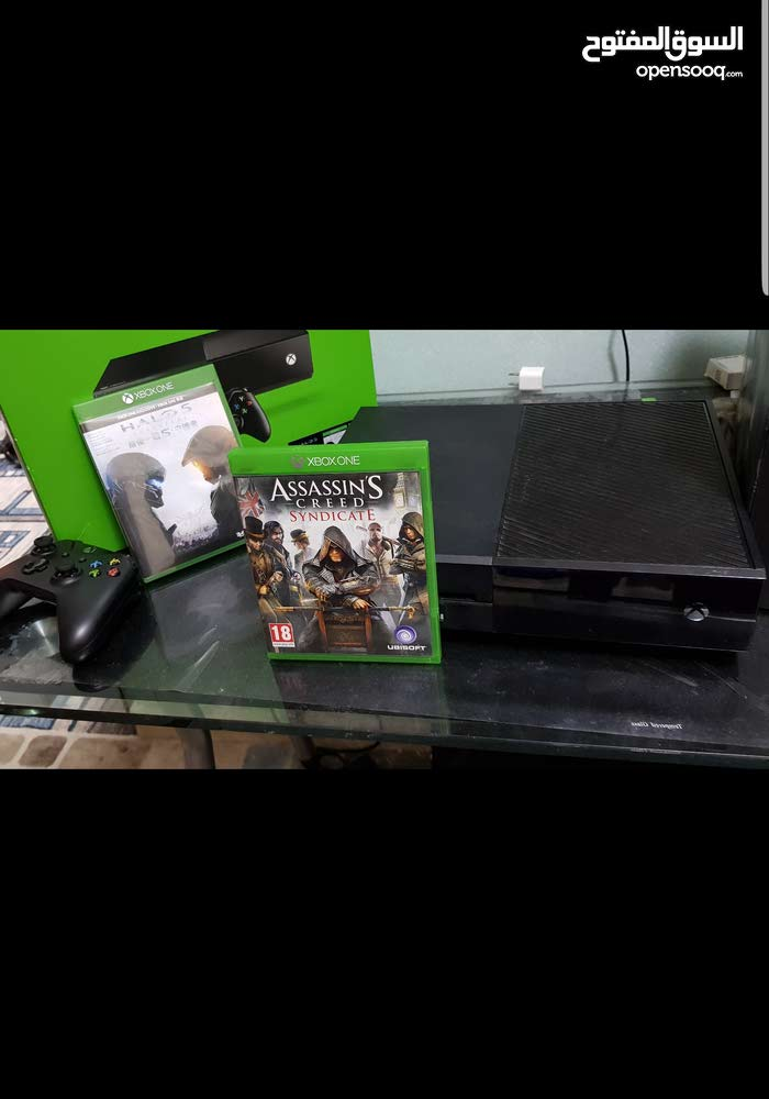 Own a Used Xbox One with special specs and add ons