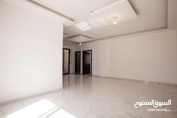 شقة طابقية   140م2