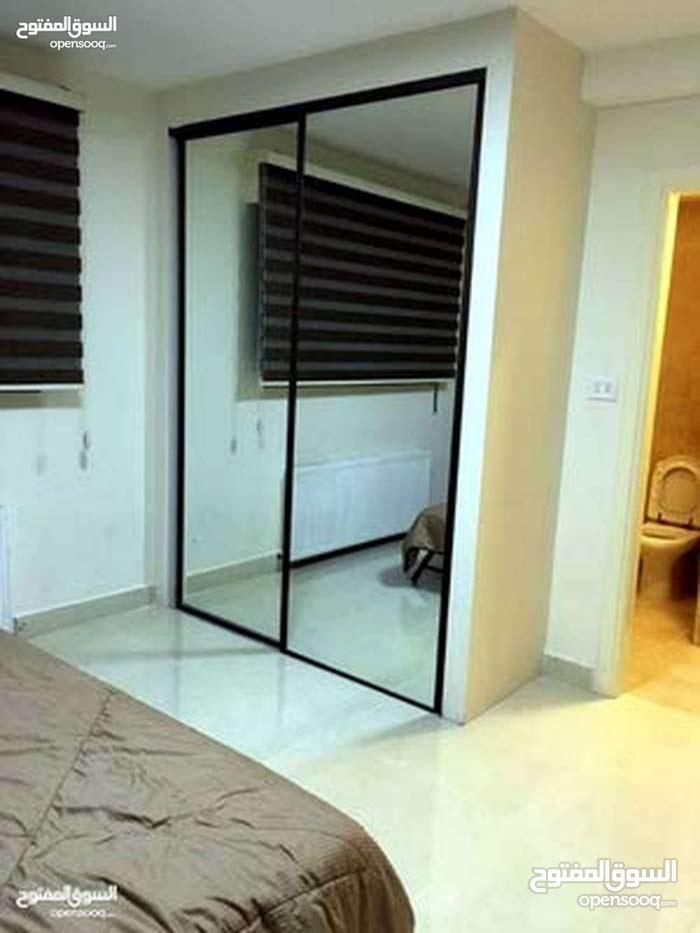 للإيجار شقة سوبر ديلوكس في منطقة الدوار السابع 3 نوم مساحة 225 م²