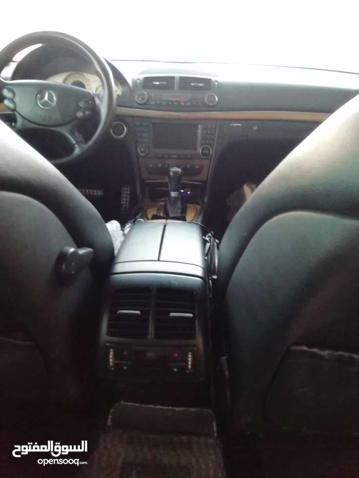 Used condition Mercedes Benz E550 2007 with +200,000 km mileage