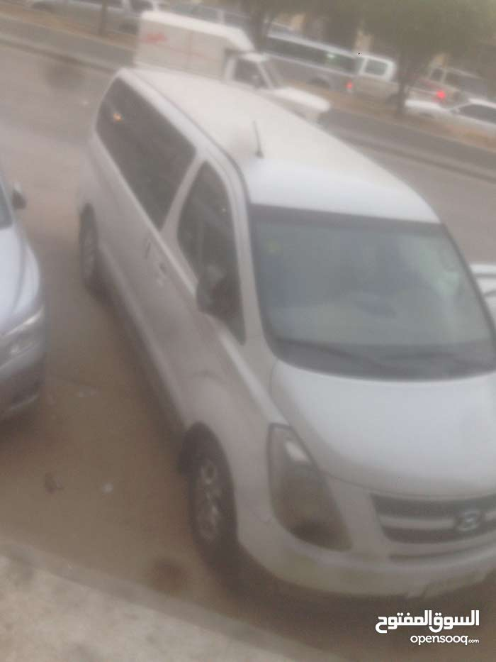 Used 2013 Hyundai H-1 Starex for sale at best price