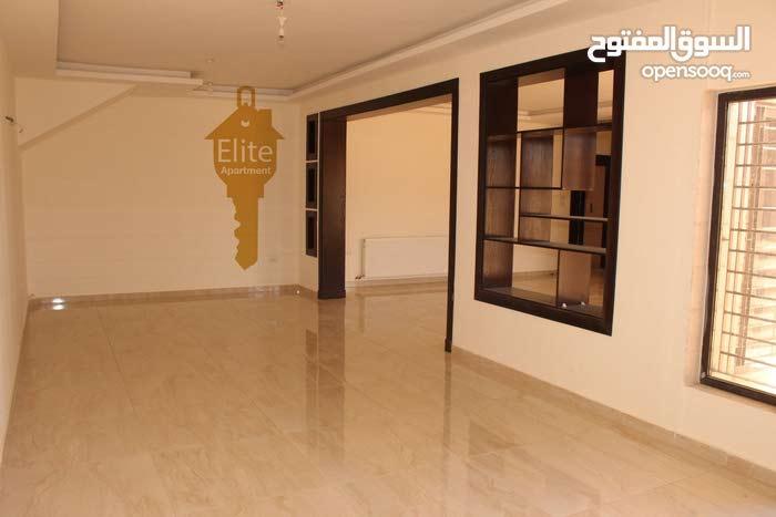 شقه شبه ارضي للبيع في الاردن -عمان - (رجم عميش) حي الصحابه