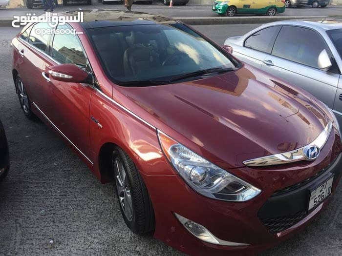 Used condition Hyundai Sonata 2011 with 100,000 - 109,999 km mileage