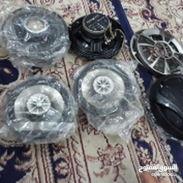 للبيع مسجل سيارة بيونير  زائد أربع سماعات نوعية كنود