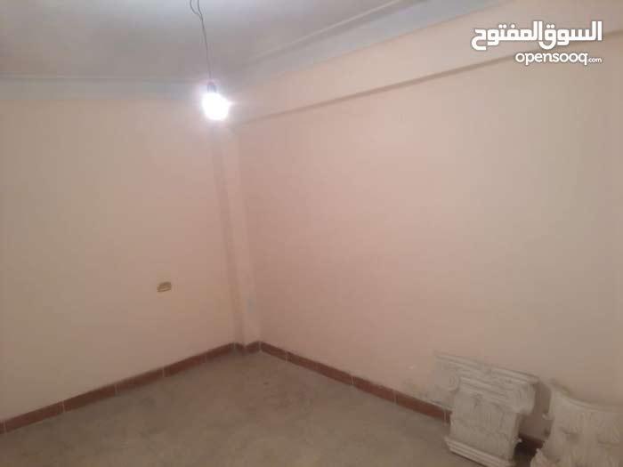 شقة لقطة بسيدى بشر قبلى شارع القاهرة الرئيسى منطقة حيوية