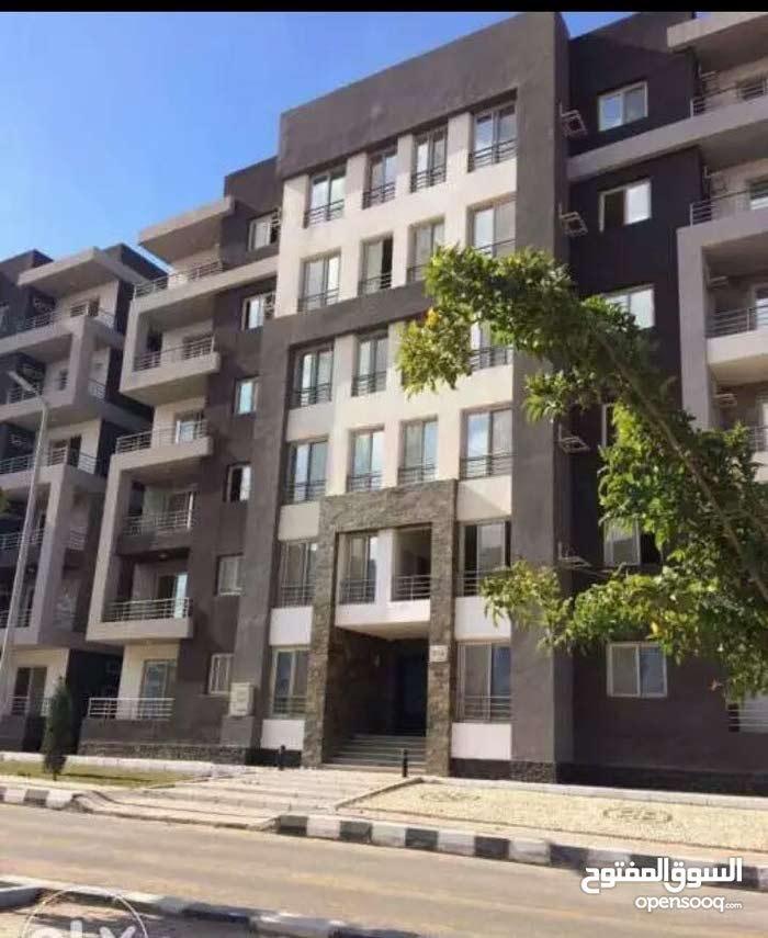 شقة 130م للبيع  بكمبوند دار مصر