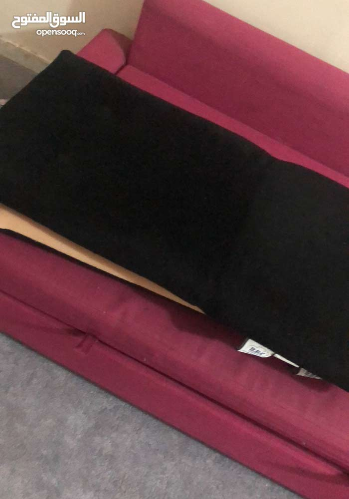 كنب سرير من ايكيا مع مقعدين ارضيه