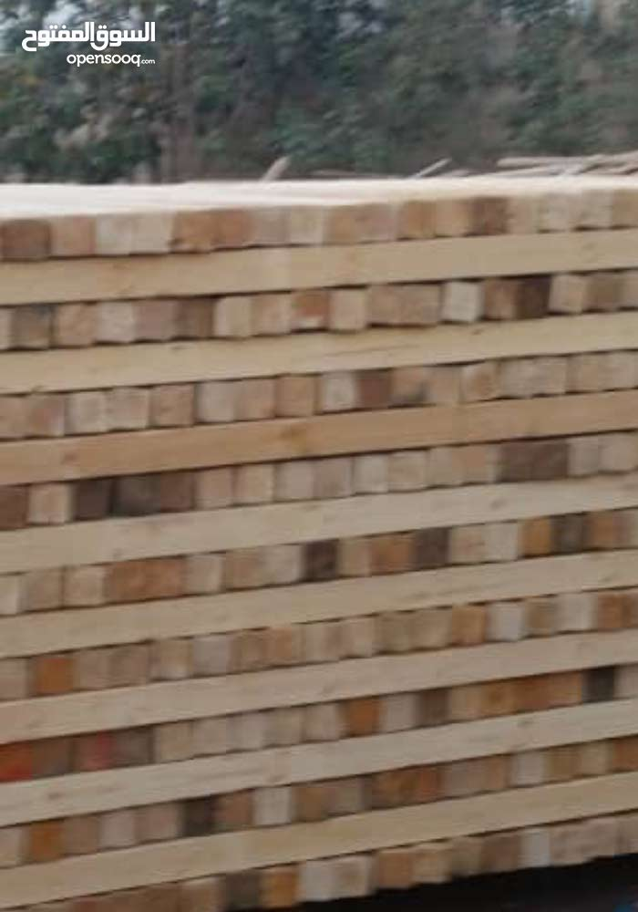 يوجد لدينا خشب مقاولات جديد سويدي بنقص على السوق