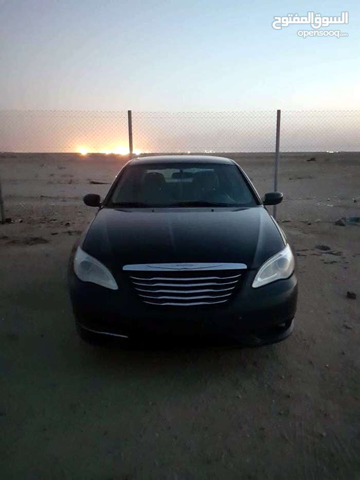 Chrysler 200 made in 2013 for sale