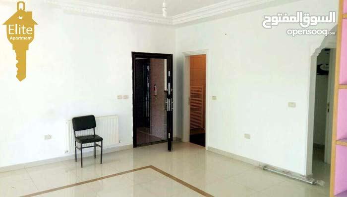 3 rooms  apartment for sale in Amman city Al Urdon Street