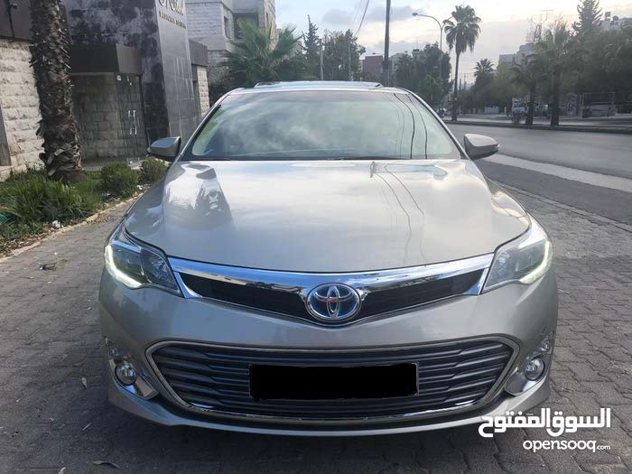 Used condition Toyota Avalon 2015 with 10,000 - 19,999 km mileage