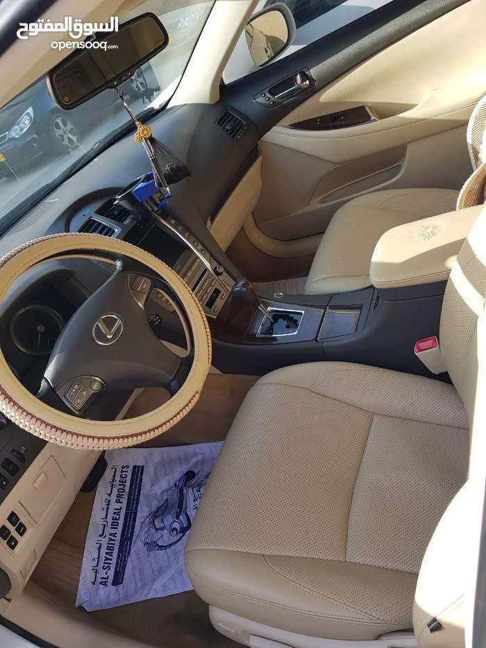 +200,000 km Lexus ES 2011 for sale