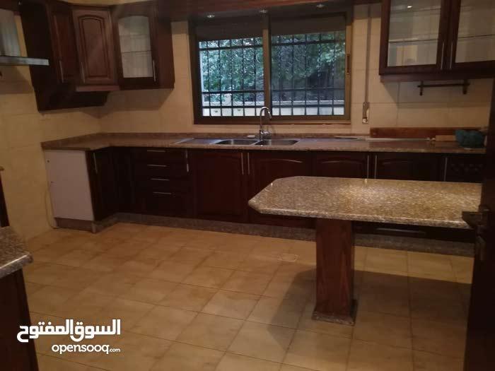 شقة فارغة - مميز جدا - للايجار في ديرغبار - 180م