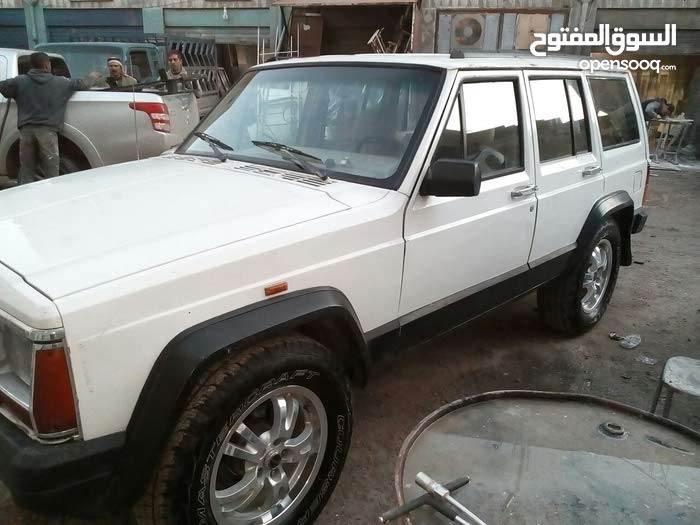 For sale Used Cherokee - Manual