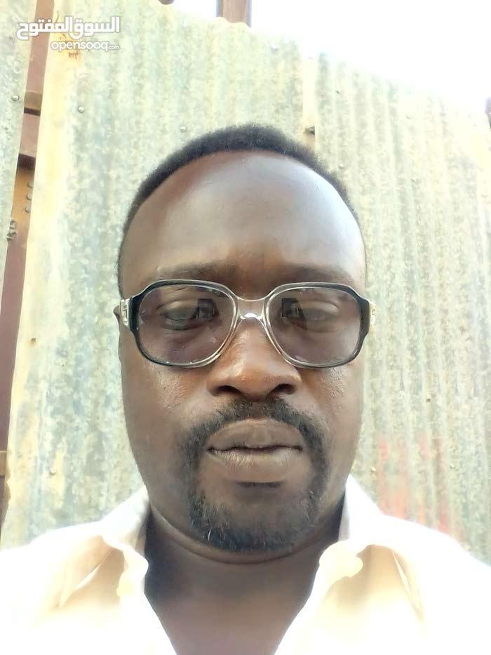 سوداني اقيم الخرطوم.شاحنات مايو احمل رخصة قياده عامه ابحث عن عمل