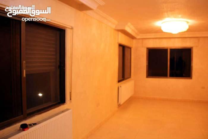 شقة طابق ثالث مساحة 145م للبيع / ضاحية الياسمين 52