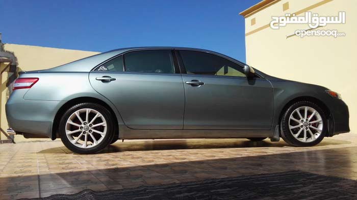 Toyota Camry 2010 For sale - Green color