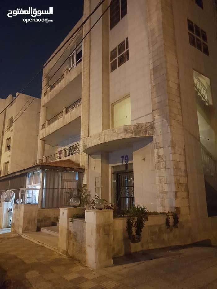 3 rooms  apartment for sale in Amman city Um Uthaiena
