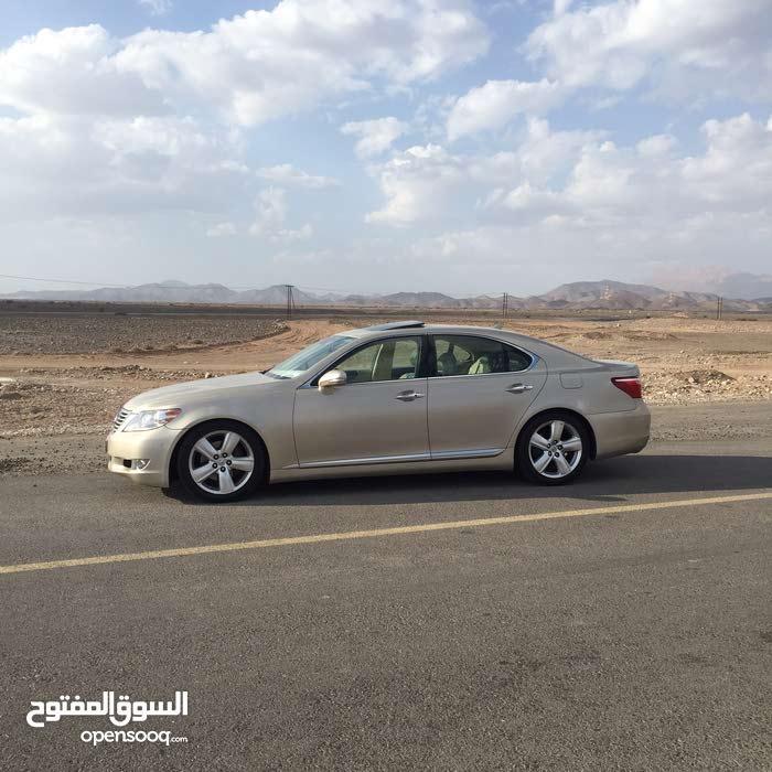 Lexus LS 2011 For sale - Gold color
