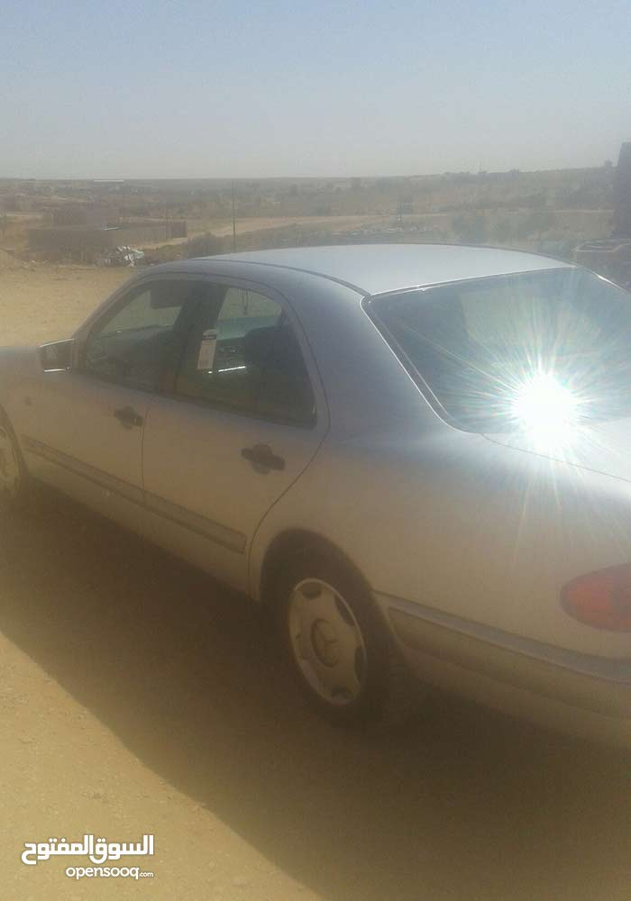 Used 1998 Mercedes Benz E 200 for sale at best price