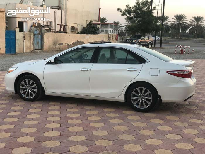 Automatic Toyota 2015 for sale - Used - Suwaiq city