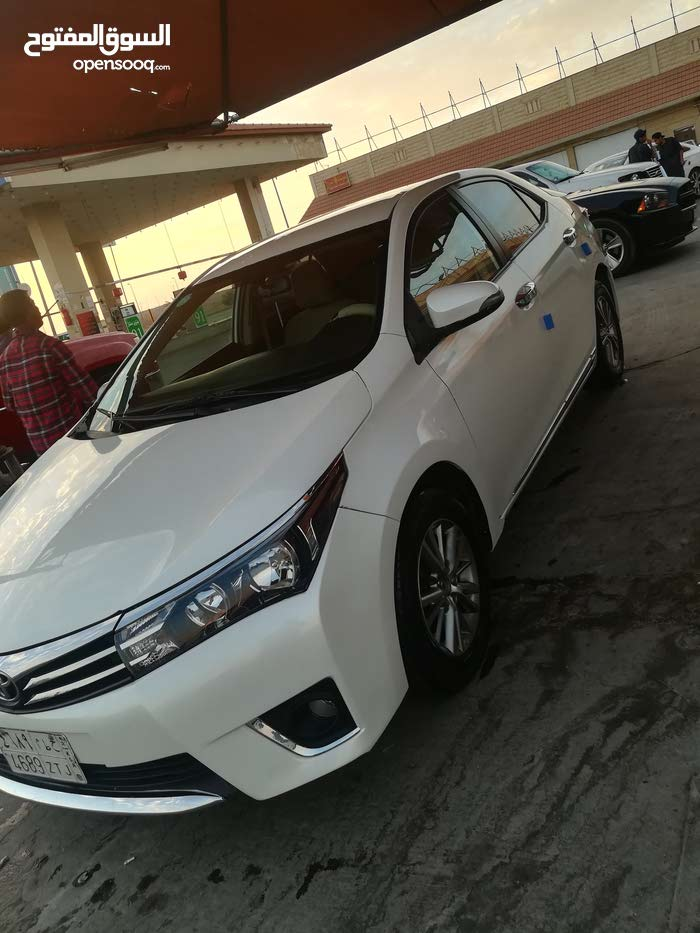 Automatic Toyota 2015 for sale - Used - Tabuk city