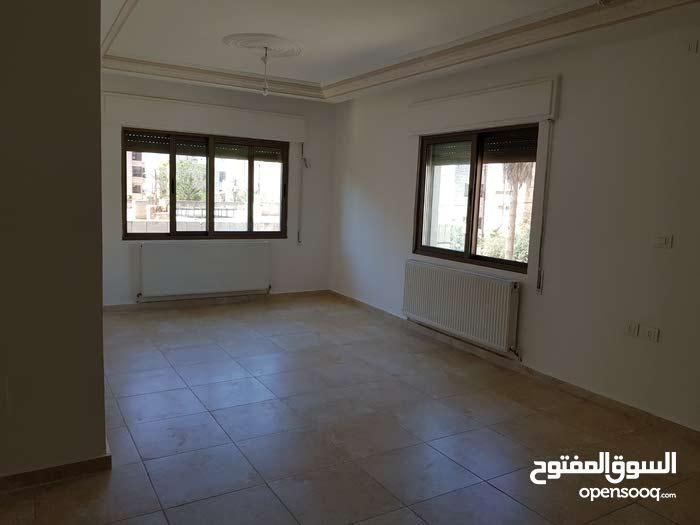 شقة للإيجار، ط ثاني، 125م، شارع مكة