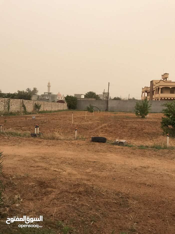 استراحة قرب جامع الحمودات واجهتين قريبة من القطران