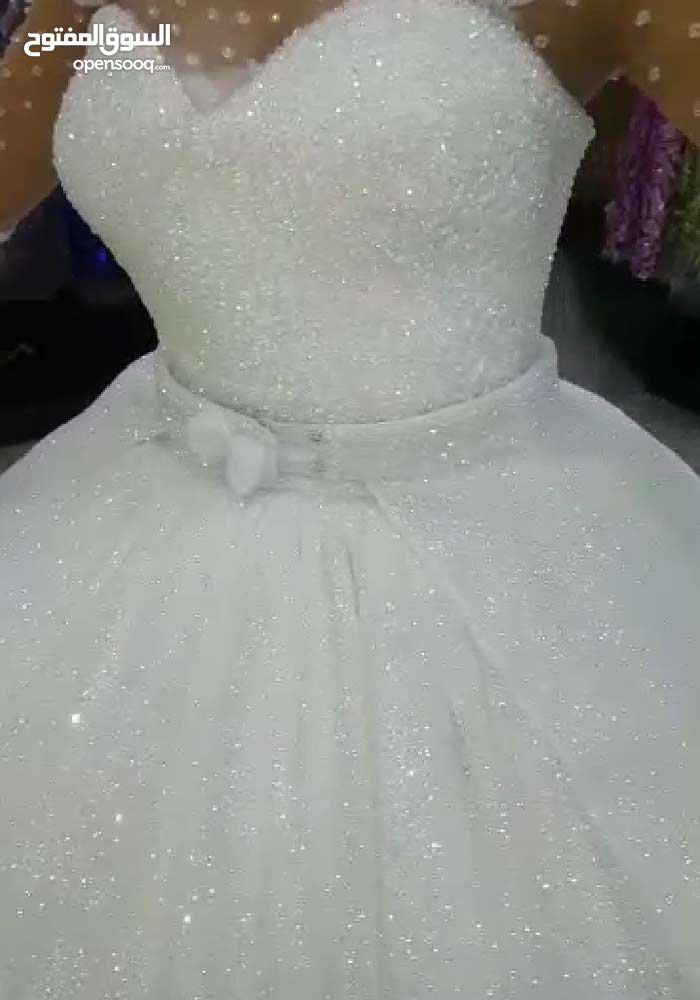 فستان زفاف تركي جديد يوجد اجار نصف سعر تقريبا