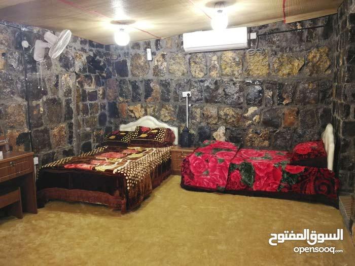 بيت العلعلان للايجار اليومي بالجبل الأخضر 99008222