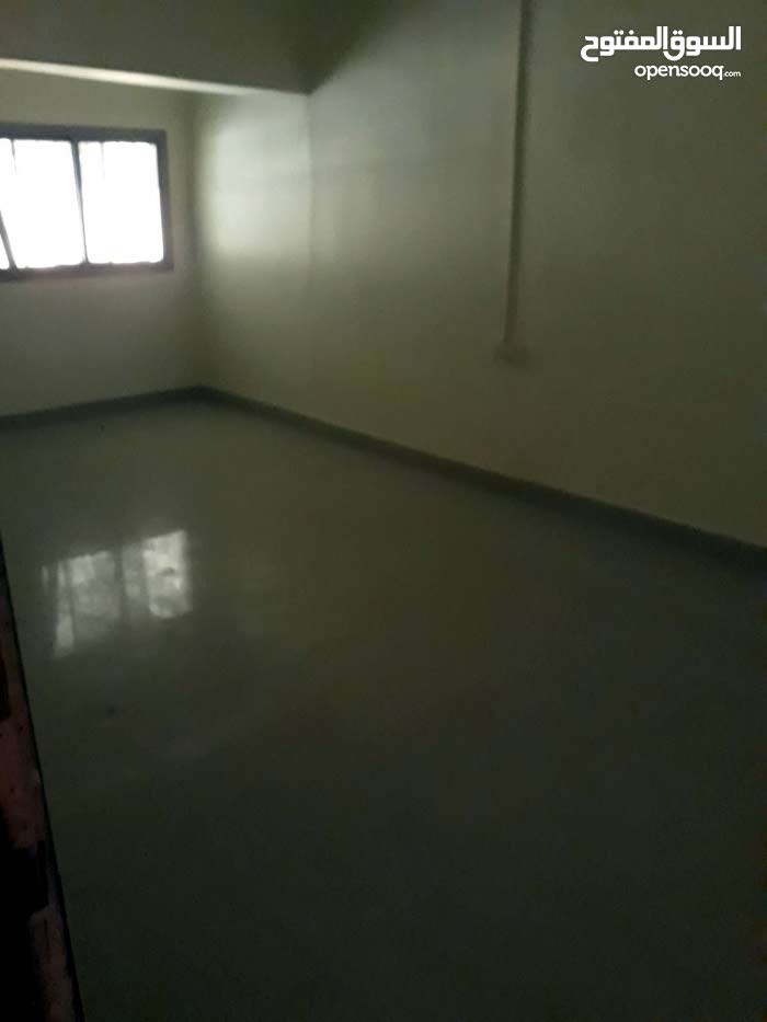 Rooms for singles in East Riffa inclusive