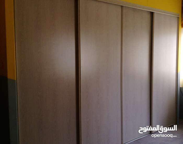 خزانة حائط   Built-in Closet