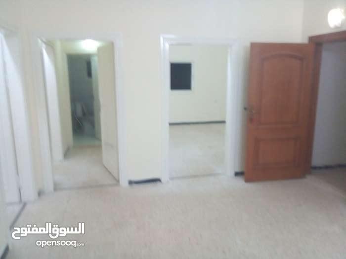 Al Hay Al Sharqy neighborhood Irbid city - 110 sqm apartment for rent