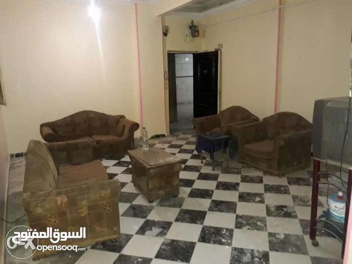 شقة لؤطة في الطوابق 190 م علي بعد 1 من دائري