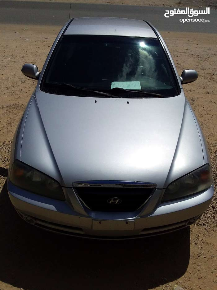 Used condition Hyundai Elantra 2005 with 170,000 - 179,999 km mileage