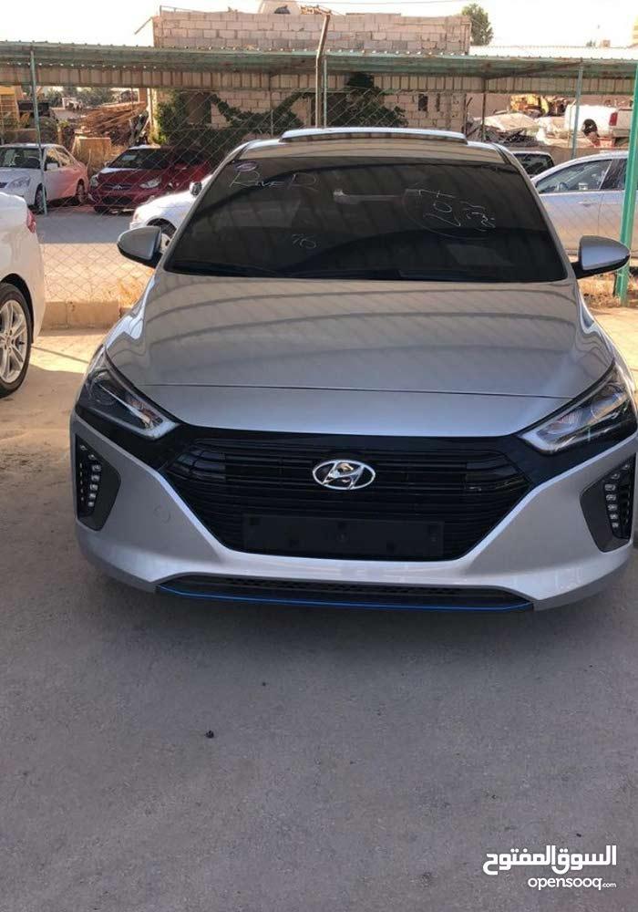 10,000 - 19,999 km Hyundai Ioniq 2017 for sale