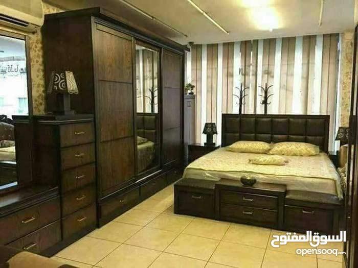 غرفه نوم خشب لاتيه 18 مع فرشه زمبرك بس 500 دينار