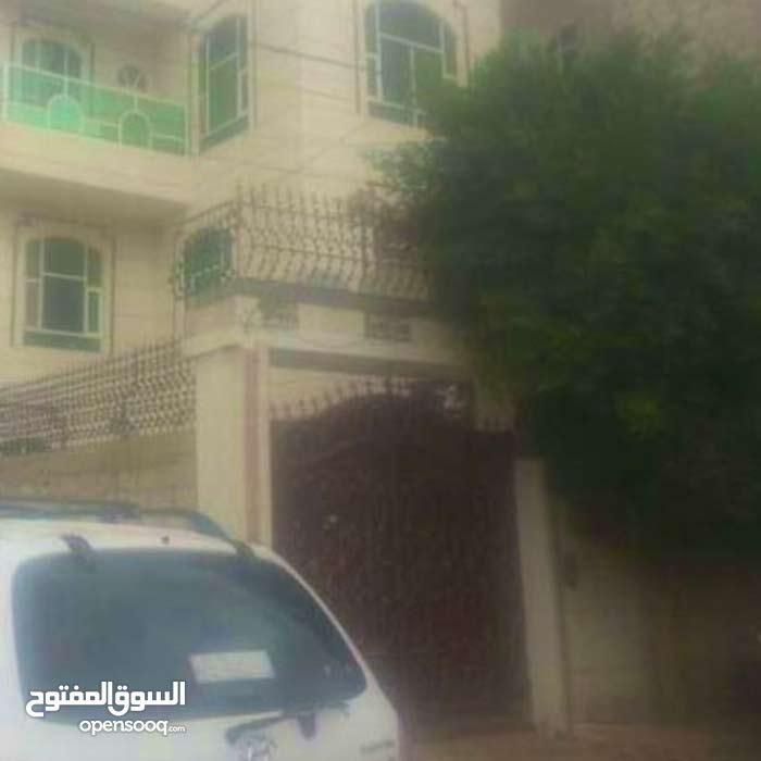 فله 3 دور مسلح في صنعاء
