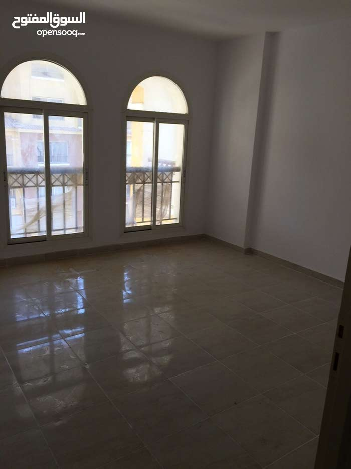 building is  has an apartment for rent