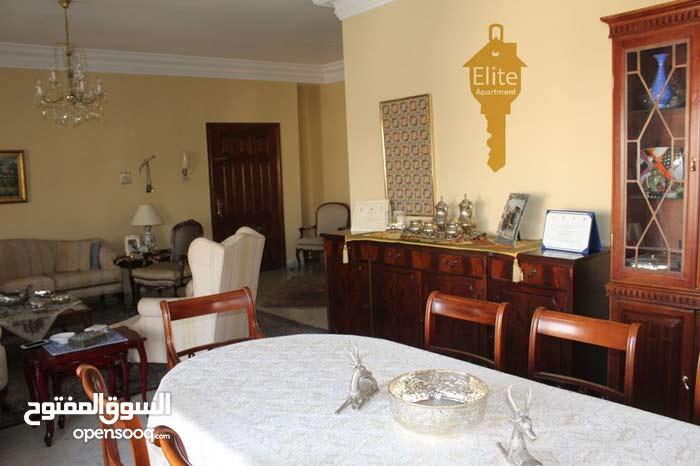 شقة طابق ثاني للبيع في الاردن- عمان - الدوار الرابع مساحة 165 متر