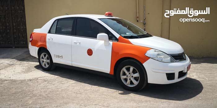 Nissan Tiida car for sale 2012 in Al Masn'a city