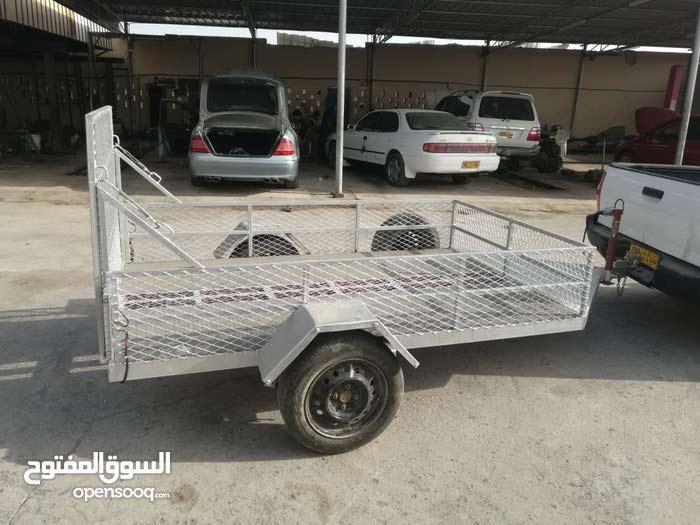 عربة متعددة الاستخدامات