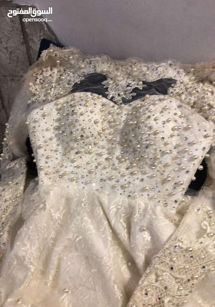 فستان فرح للبيع بسعر 7000ريال