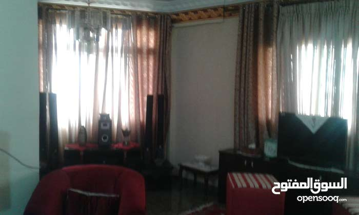 3 rooms 2 bathrooms apartment for sale in ZarqaAl Zarqa Al Jadeedeh