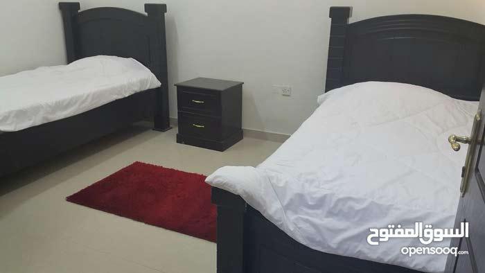شقة مفروشة للإيجار  الوصف : غرفتين نوم - صالة - مطبخ - حمامين -بلكونة  الموقع :