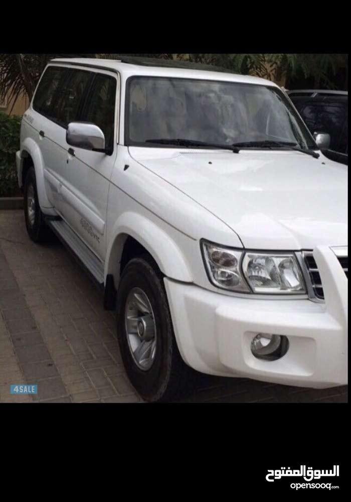 Nissan Patrol 2004 For sale - White color
