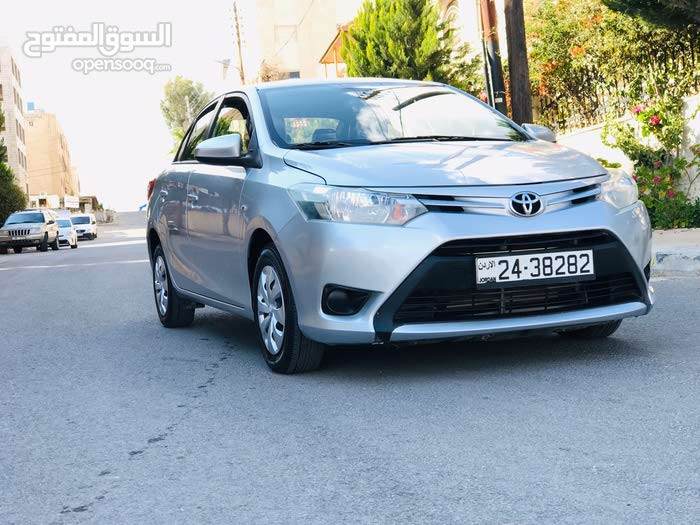 Toyota Yaris 2014 For sale - Silver color