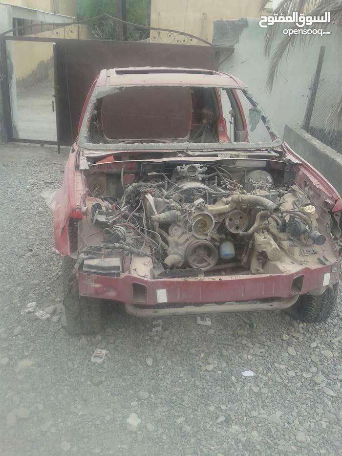 للبيع قطع غيار لجيب جراند شيروكي موديل 2000 8سلندر