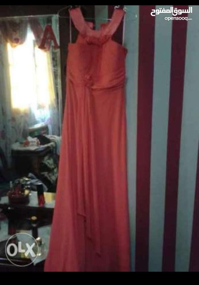 عرض على فستانين بسعر مغري250ج وبس
